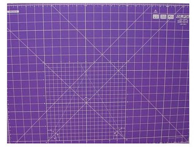 Base de Corte de Doble Cara 60 x 45 cm. Color Lila. para Patchwork.