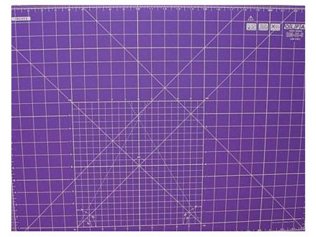 Base de Corte de Doble Cara 60 x 45 cm. Color Lila. para Patchwork.